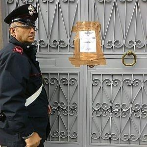 Catania, anziani legati e picchiati: sequestrata una casa di riposo lager