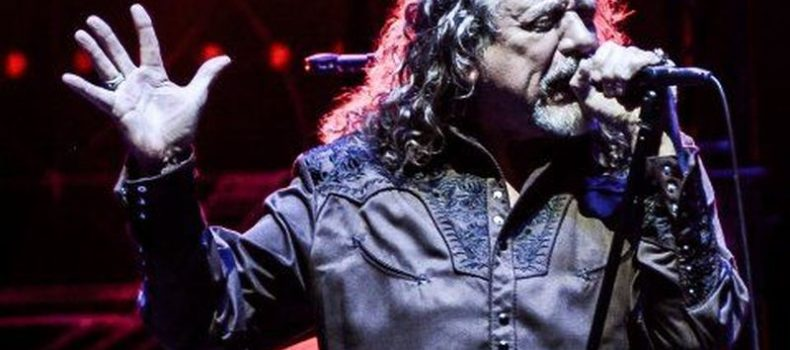 Robert Plant suona due brani del nuovo album alla tv britannica – VIDEO