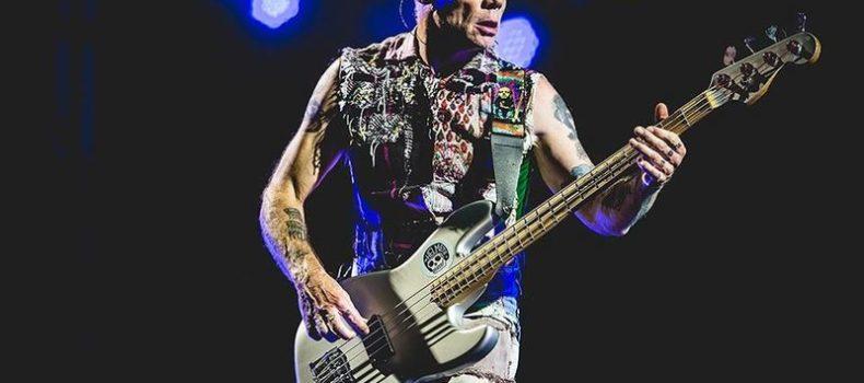 """Flea, l'autobiografia """"Acid For the Children"""" arriva a settembre"""