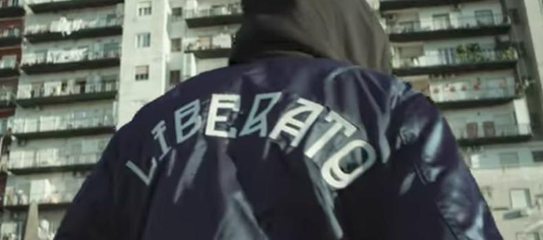 Liberato è un detenuto del carcere di Nisida? La nuova teoria su chi è il cantante di 'Nove maggio' – VIDEO