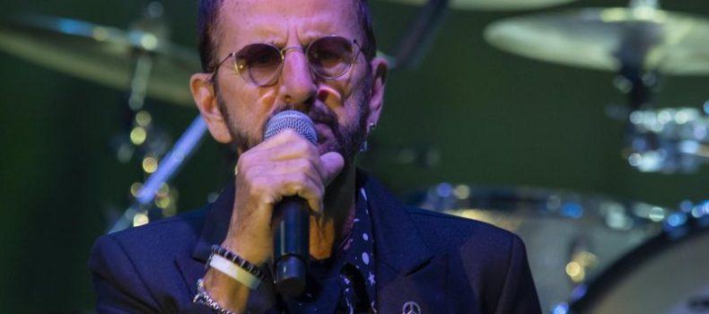 """Ringo Starr: """"Che giornata incredibile, finalmente sono a letto con Yoko"""" – GUARDA"""
