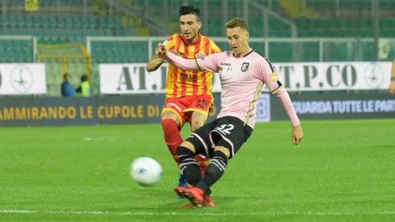 Palermo, ancora la maledizione del venerdì: col Benevento arriva solo un pareggio