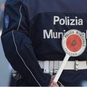 Palermo, a novembre 75 multe per l'uso del cellulare alla guida