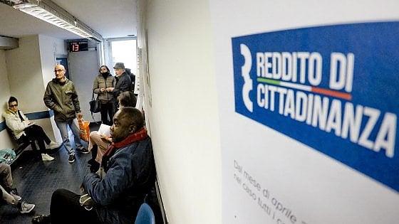 Catania, ricercatore Cnr precario da 20 anni in fila al Caf per il reddito di cittadinanza