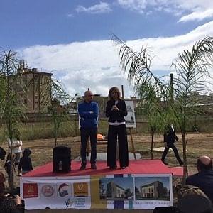 """Palermo, la ministra Lezzi a Brancaccio: """"Con l'asilo realizziamo il sogno di Padre Puglisi"""""""