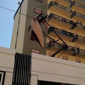 Palermo, una coperta sulla catenaria: bloccata per due ore la linea 1 del tram