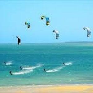 Trapani, turista tedesco muore mentre fa kitesurf allo Stagnone di Marsala
