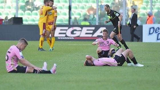 Calcio, il tribunale federale condanna il Palermo alla serie C: per la Lega la sentenza è già esecutiva