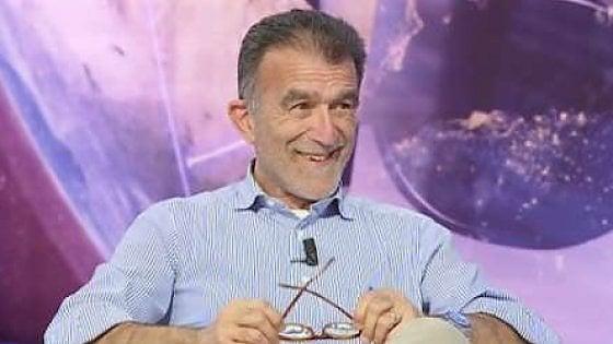 """Taormina, lo scrittore Perroni si suicida in strada: """"Gravi problemi di salute"""""""