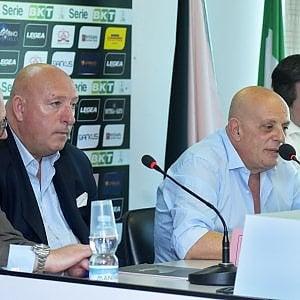 """Palermo, la difesa del club: """"Noi tranquilli. La squadra verrà iscritta"""""""
